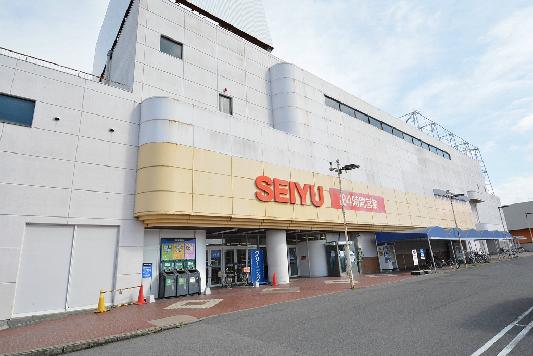 スーパー:西友 ピア・タウン店 633m