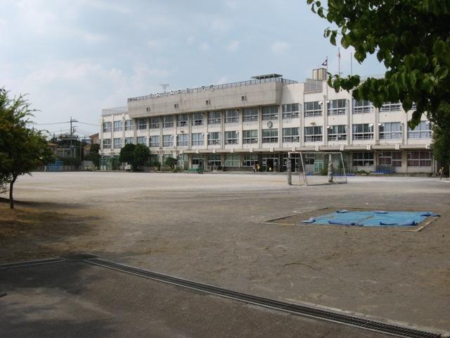 小学校:足立区立 皿沼小学校 427m
