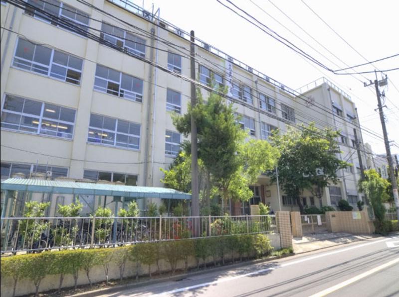 中学校:足立区立 第十中学校 1233m