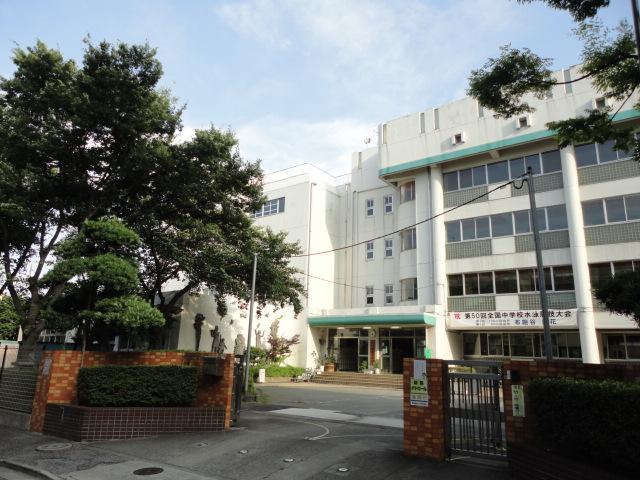 中学校:足立区立 加賀中学校 676m