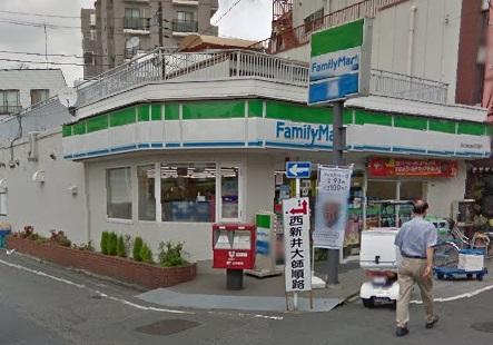 コンビ二:ファミリーマート 田口屋西新井大師店 269m