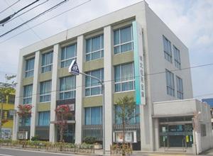 銀行:城北信用金庫 西新井支店 447m