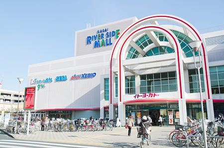 ショッピング施設:葛西リバーサイドモール 397m