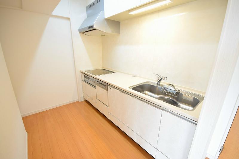 IH、食洗機付きフラットキッチン 浄水を使用