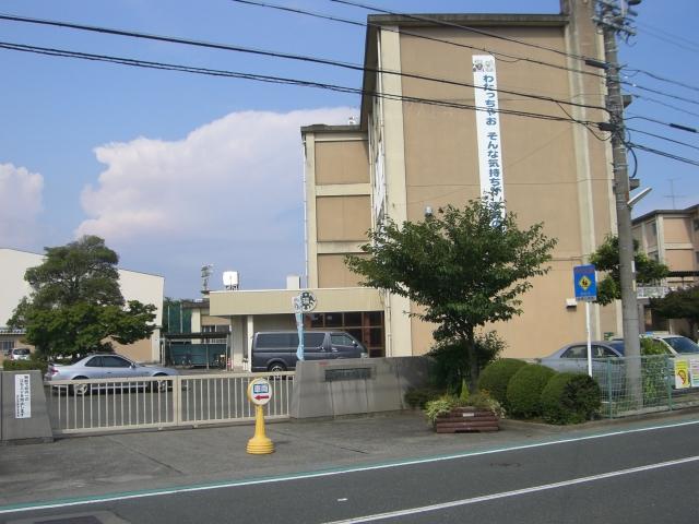 小学校:浜松市立瑞穂小学校 657m