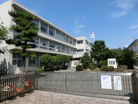 中学校:浜松市立蜆塚中学校 1072m