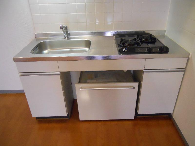 少し低い設計のキッチン 車椅子の方でも調理可能