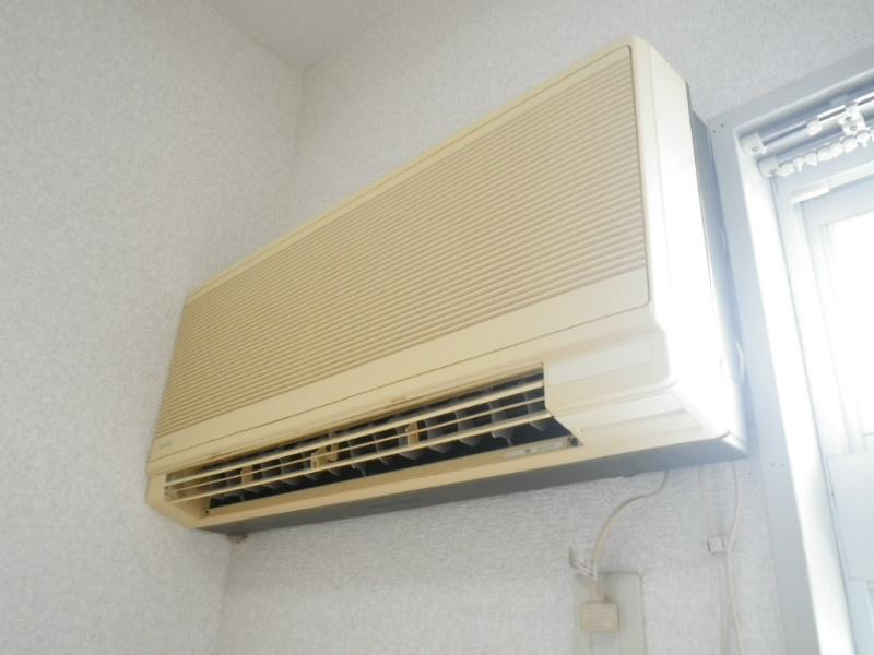 エアコン付き。