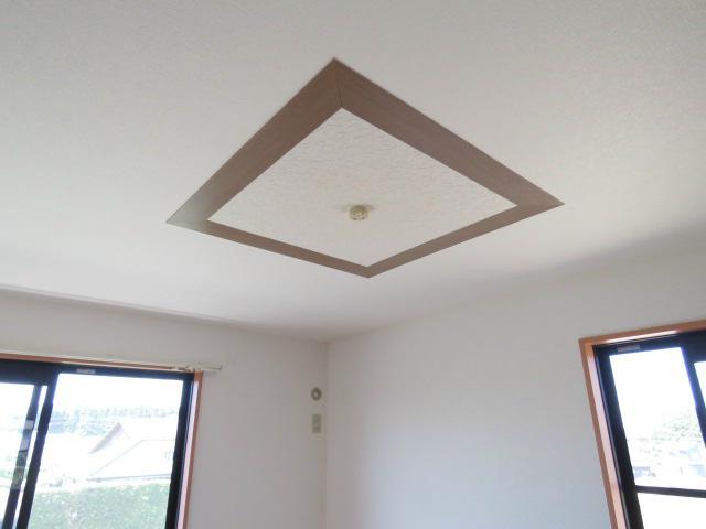 天井デザインクロス。
