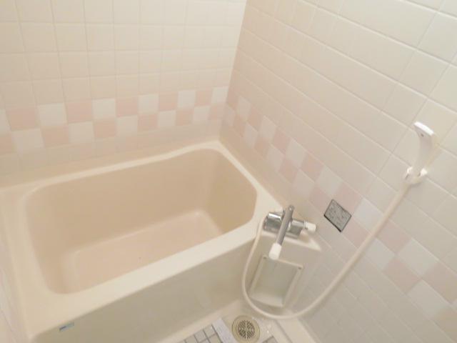 シャワー付き。