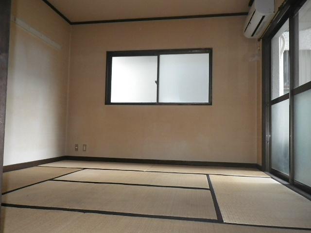 落ち着いた和室です!
