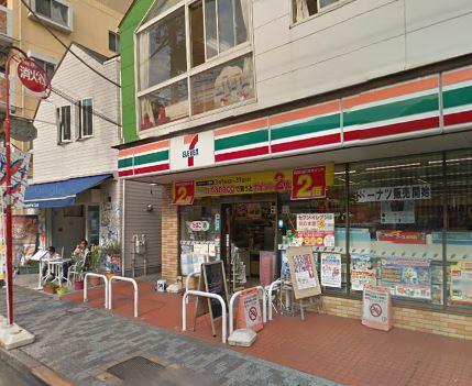 コンビ二:セブンイレブン 目黒柿の木坂1丁目店 420m 近隣