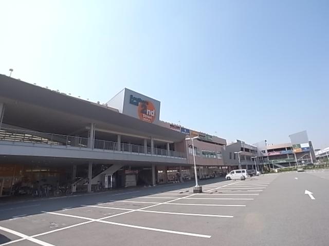 ショッピング施設:サザンモール六甲 536m