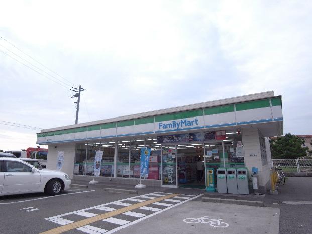 コンビ二:ファミリーマート 垂水海岸通店 300m