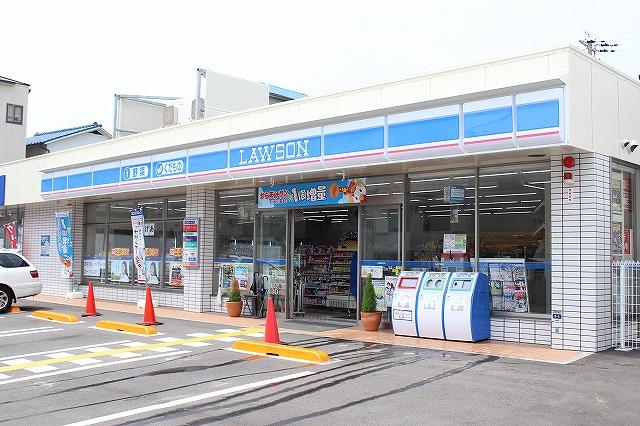 コンビ二:ローソン 垂水海岸通店 678m