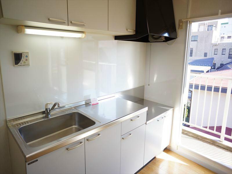 ガスコンロ設置可の大型キッチンです。