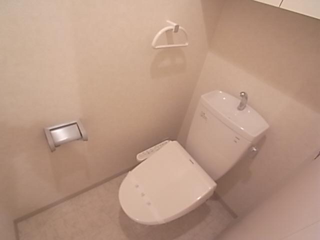 清潔感あるトイレですよ