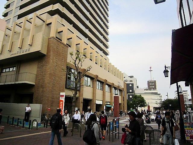図書館:神戸市立兵庫図書館 221m