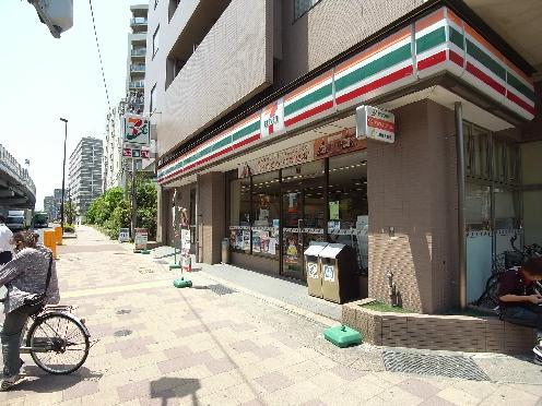 コンビ二:セブンイレブン 神戸浜崎通店 178m