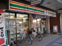 コンビ二:セブンイレブン 神戸長田神社前店 241m