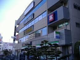 コンビ二:ファミリーマート 高速長田駅前店 116m