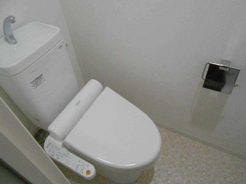 温水洗浄暖房便座です。