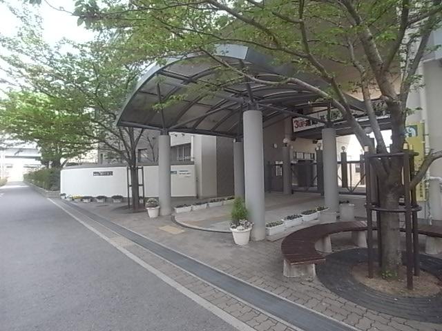 中学校:神戸市立魚崎中学校 545m 近隣