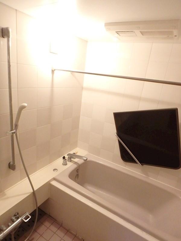 追い焚き・浴室乾燥機付きバス