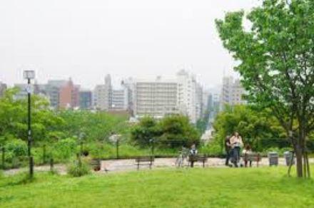 公園:西郷山公園 702m 近隣