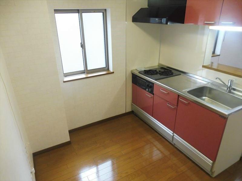 キッチンスペースは約3帖あります。