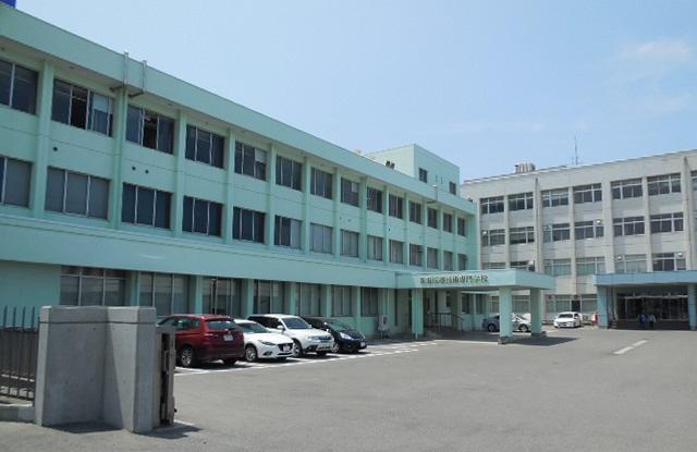 専門学校:新潟医療技術専門学校 1117m