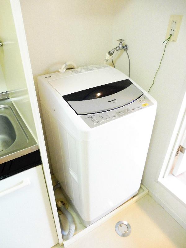 洗濯機置場(洗濯機は残置物扱いです)