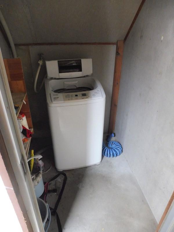 共同の洗濯機があります。