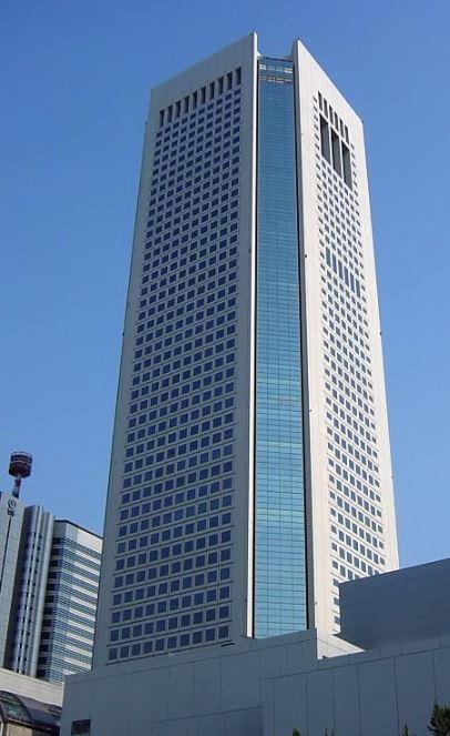 ショッピング施設:東京オペラシティビル東京オペラシティタワー 750m 近隣
