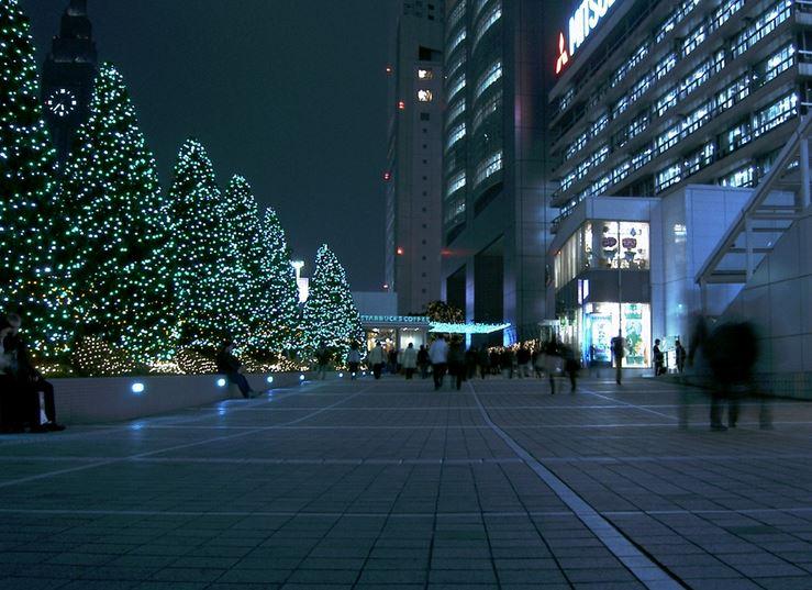 ショッピング施設:新宿サザンテラス 1300m 近隣