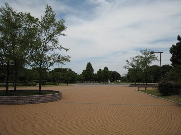 公園:舎人公園 260m