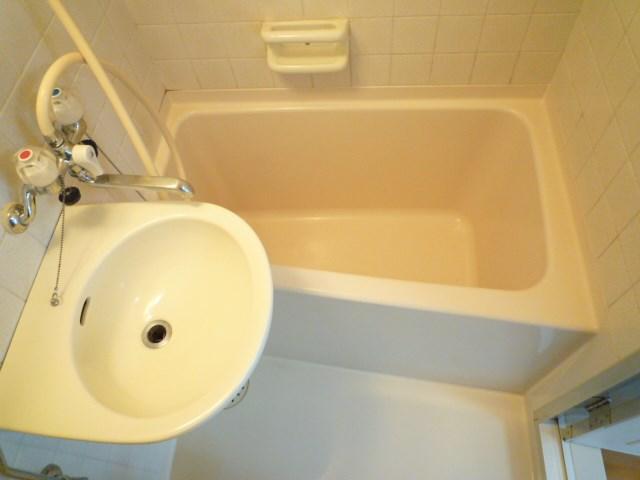 3点ユニットの浴槽部分