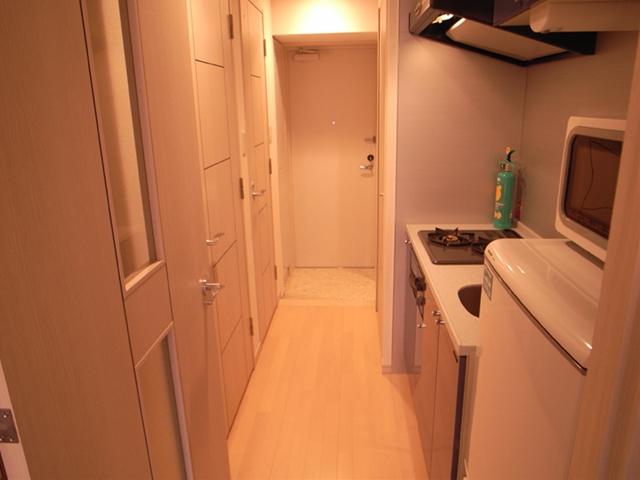 玄関からお部屋まで一直線、風通しもいいです。