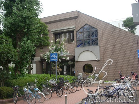 図書館:板橋区立小茂根図書館 220m