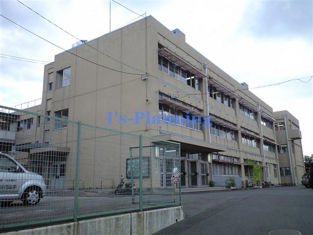 小学校:宇治市立小倉小学校 426m