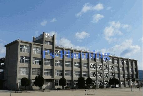 中学校:宇治市立北宇治中学校 1323m