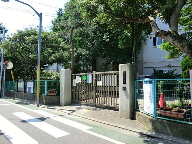 小学校:永福小学校 775m 近隣