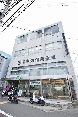 銀行:京都中央信用金庫金閣寺支店 438m