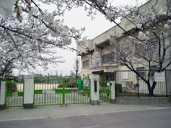 小学校:山本小学校 550m 近隣