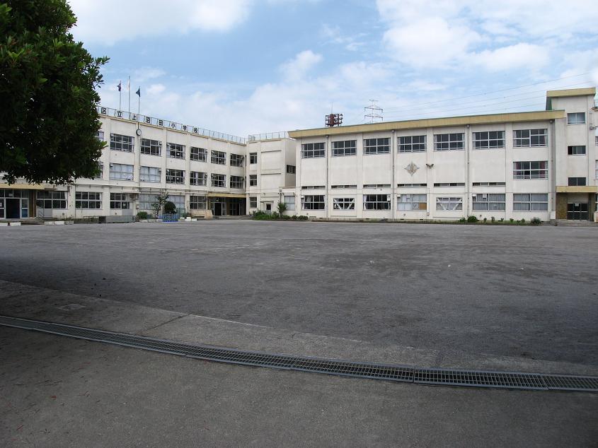 小学校:足立区立 上沼田小学校 704m