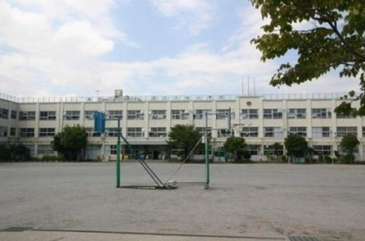 小学校:足立区立 足立入谷小学校 879m