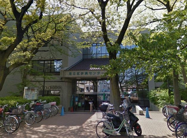 図書館:足立区立伊興図書館 464m