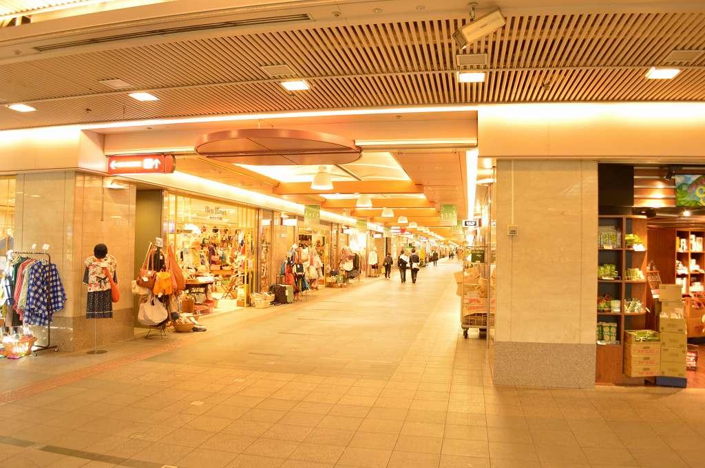 ショッピング施設:ゼスト御池 344m