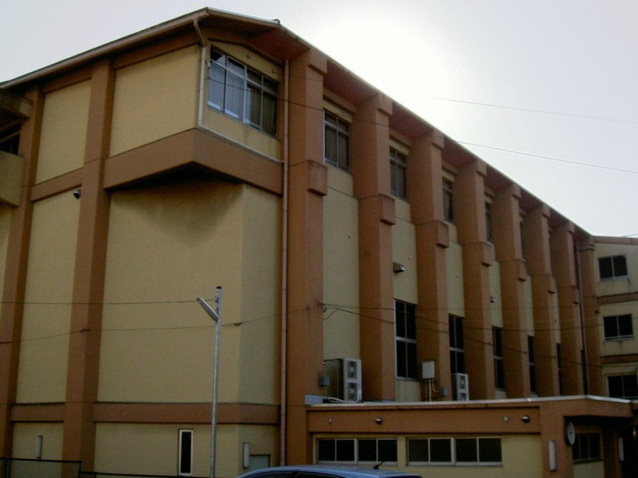 小学校:国分小学校 400m