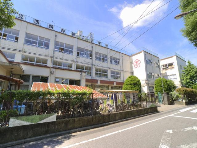 小学校:足立区立 西新井第二小学校 586m